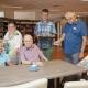 Cliënten van Gemiva werken in Irishof in de ouderenzorg